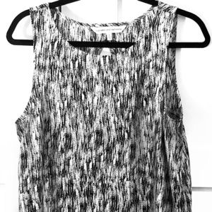 Cupcakes and Cashmere Sleeveless Silky Print Top